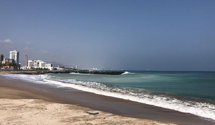 После шторма в ОАЭ закрыты некоторые пляжи-Новости туризма в России и мире