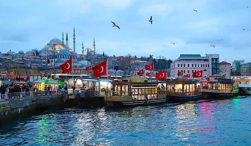 Турагенты оценили востребованность туров в Стамбул-Новости туризма в России и мире