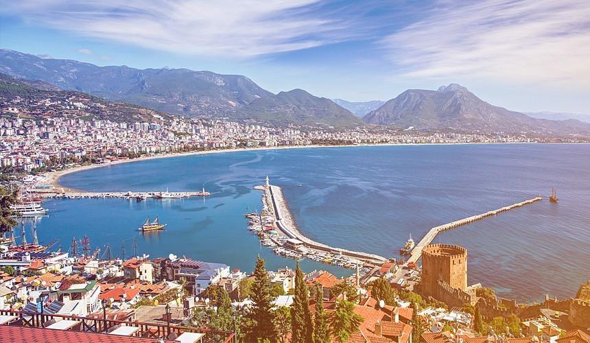 Недельные туры в Турцию распродаются за 10,5 тыс. руб.-Новости туризма в России и мире